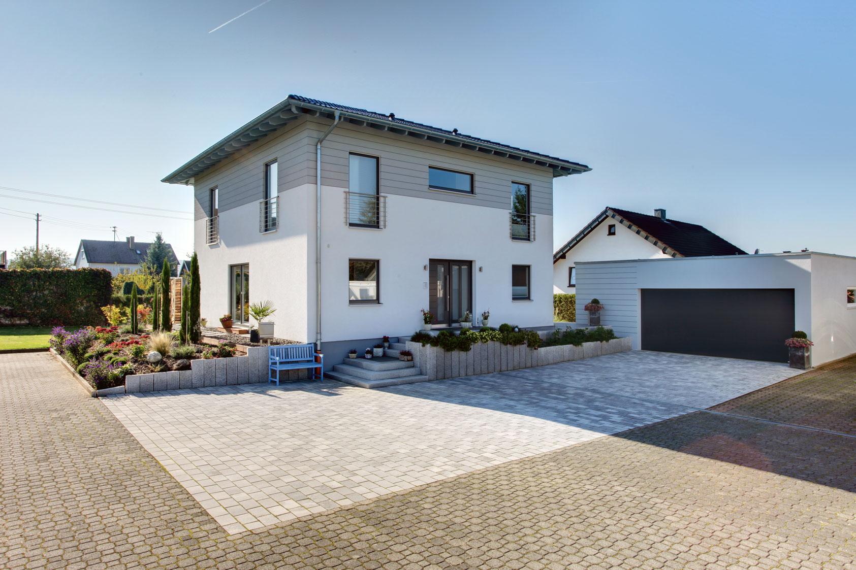 Mit bester empfehlung for Haus mit doppelgarage bauen